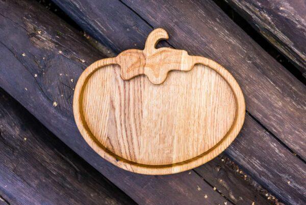 Фото детской деревянной тарелочки Помидорчик от мастерской В Щепки