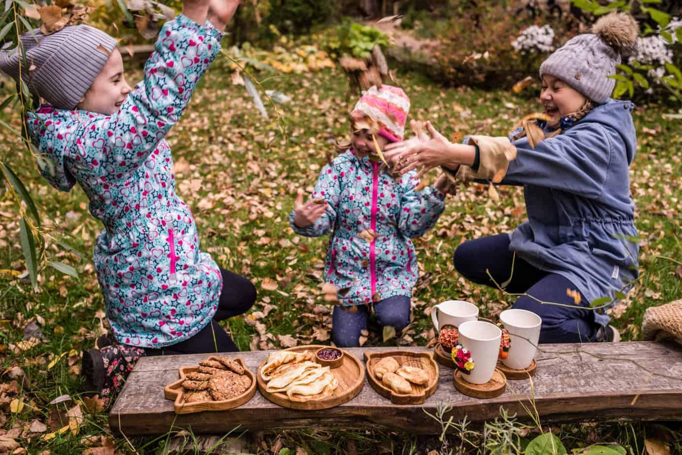 Дети, детские тарелочки, менажница с соусником, подставки для кружек